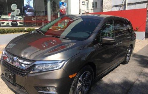 Vendo un carro Honda Odyssey 2018 excelente, llámama para verlo