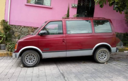 Me veo obligado vender mi carro Chevrolet Astro 1988 por cuestiones económicas