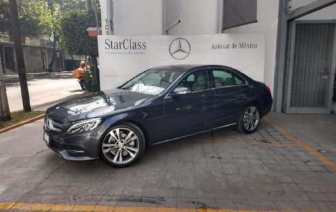 Auto usado Mercedes-Benz Clase C 2015 a un precio increíblemente barato