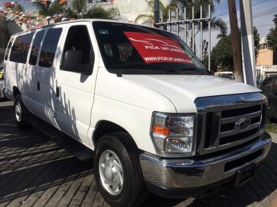 Se pone en venta un Ford Econoline E350