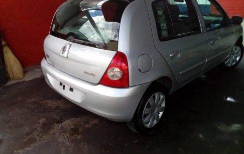 Pongo a la venta cuanto antes posible un Renault Clio que tiene todos los documentos necesarios