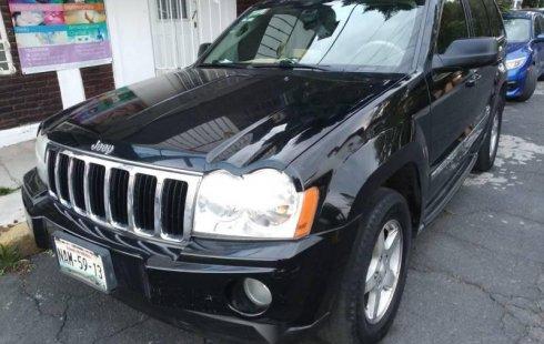 Un Jeep Grand Cherokee 2007 impecable te está esperando