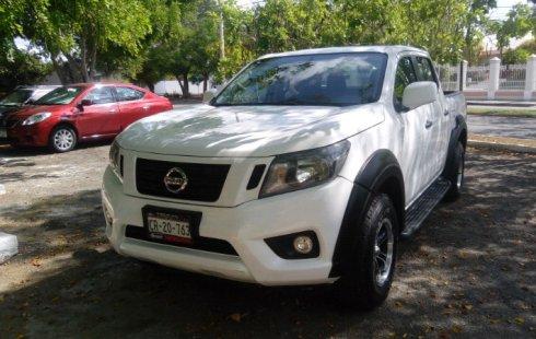 Carro Nissan NP300 2016 de único propietario en buen estado