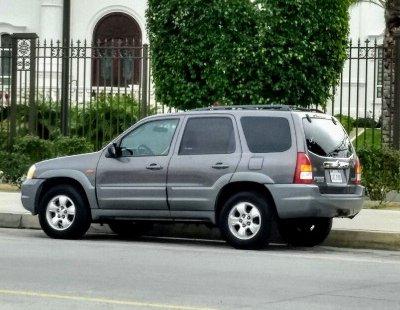 Un Mazda TRIBUTE 2002 impecable te está esperando