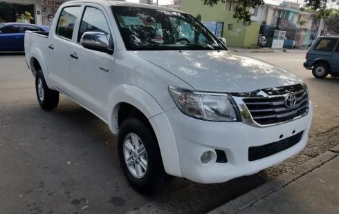 Toyota Hilux Doble Cabina 2016