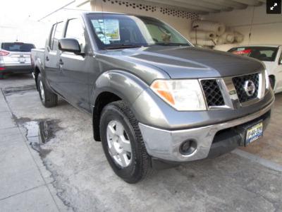 Carro Nissan Frontier 2008 de único propietario en buen estado