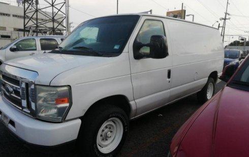 Quiero vender urgentemente mi auto Ford Econoline Wagon 2010 muy bien estado