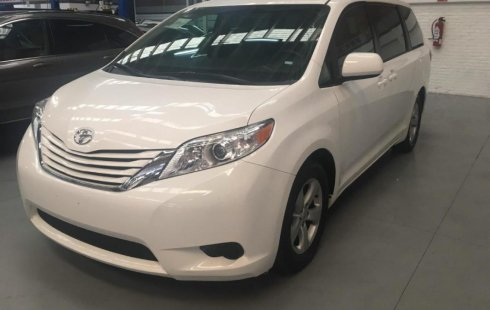 Toyota Sienna 2017 impecable