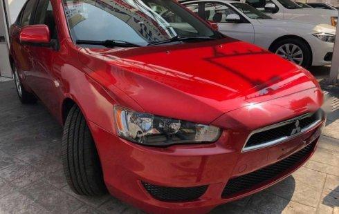 Carro Mitsubishi Lancer 2010 de único propietario en buen estado