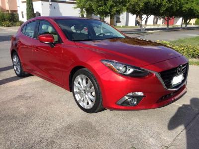 Vendo un carro Mazda 5 2016 excelente, llámama para verlo