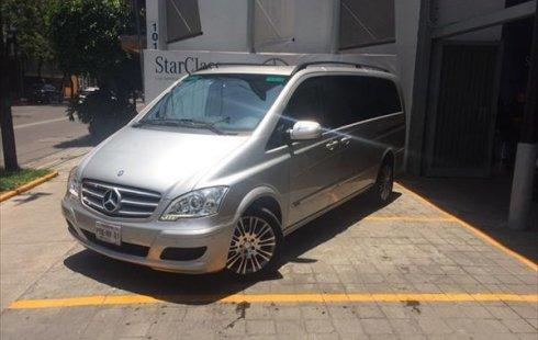Un Mercedes-Benz Viano 2015 impecable te está esperando
