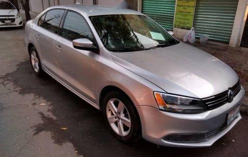 Quiero vender inmediatamente mi auto Volkswagen Jetta 2012 muy bien cuidado