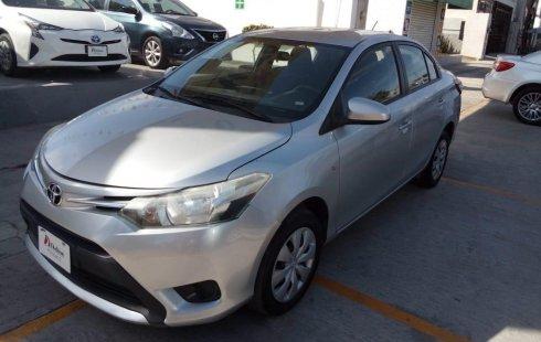 Coche impecable Toyota Yaris con precio asequible
