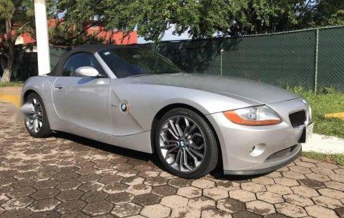 Pongo a la venta cuanto antes posible un BMW Z4 en excelente condicción