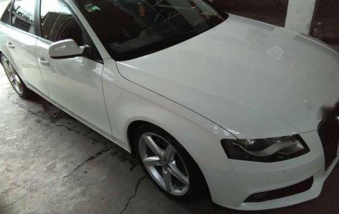 Un carro Audi A4 2011 en Tultitlán