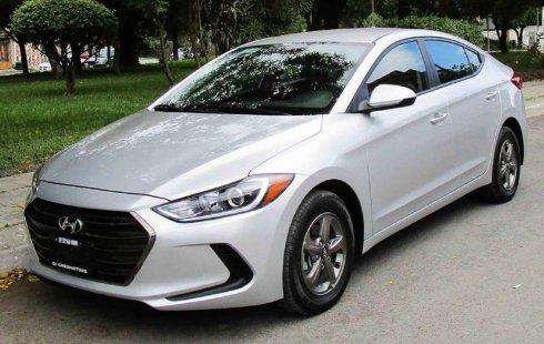 Vendo un carro Hyundai Elantra 2017 excelente, llámama para verlo