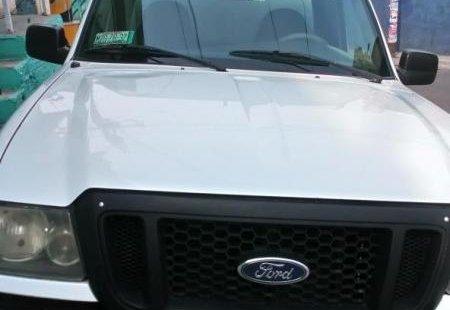 Vendo un carro Ford Ranger 2005 excelente, llámama para verlo