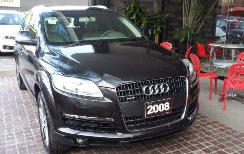 Carro Audi Q7 2008 de único propietario en buen estado