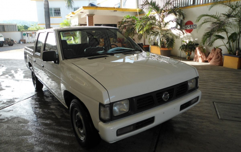 Nissan pick up doble cabina 2005