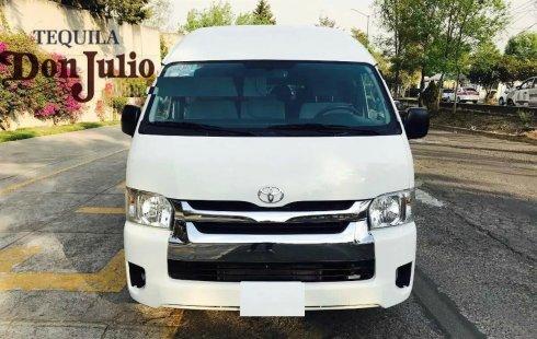 En venta Toyota Hiace modelo 2016