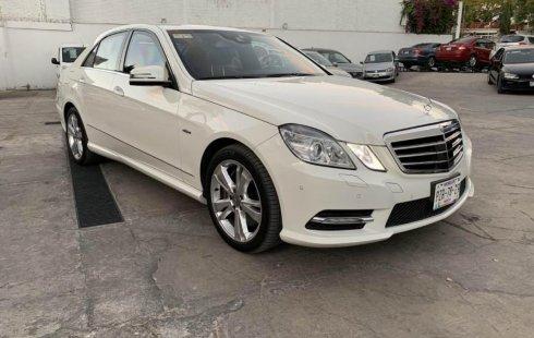 Me veo obligado vender mi carro Mercedes-Benz Clase E 2012 por cuestiones económicas