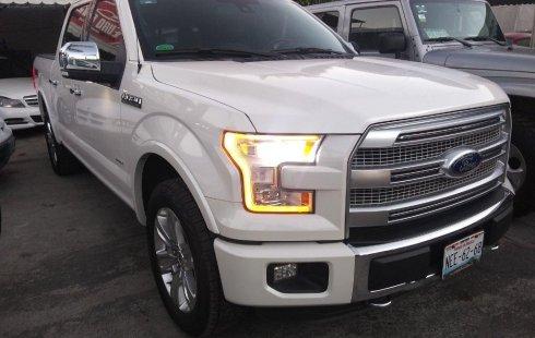 Un Ford Lobo 2016 impecable te está esperando