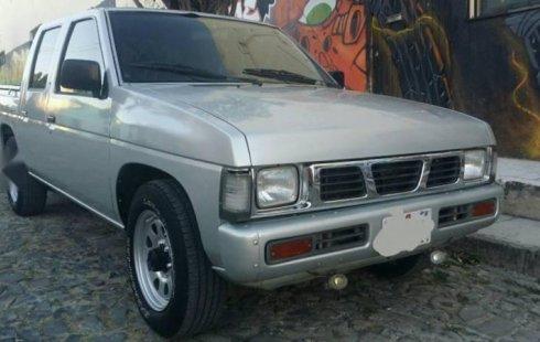 Tengo que vender mi querido Nissan Pick Up 2000 en muy buena condición