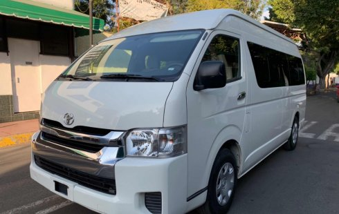 Toyota Hiace 2015 para 15 pasajeros