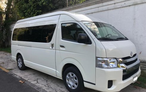 Toyota Hiace 2017 blanca