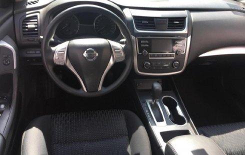 Vendo un carro Nissan Altima 2017 excelente, llámama para verlo