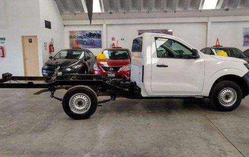Un carro Nissan Chasis 2018 en Texcoco
