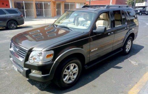 Quiero vender inmediatamente mi auto Ford Explorer 2006 muy bien cuidado
