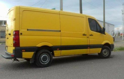 Vendo un carro Volkswagen Crafter 2011 excelente, llámama para verlo