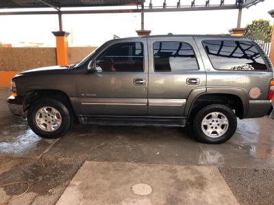 Quiero vender inmediatamente mi auto Chevrolet Tahoe 2002 muy bien cuidado