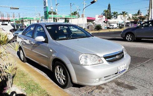 Pongo a la venta cuanto antes posible un Chevrolet Optra en excelente condicción