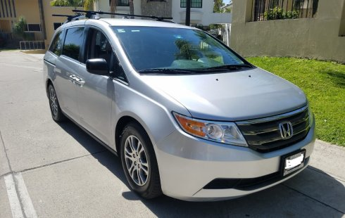 Honda Odyssey LX 2013 Como Nueva
