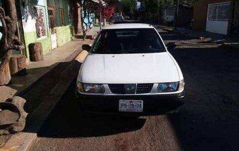 Carro Nissan Tsuru 2011 de único propietario en buen estado