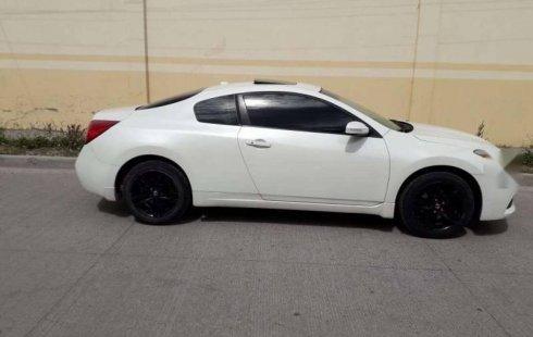 Quiero vender inmediatamente mi auto Nissan Altima 2011 muy bien cuidado