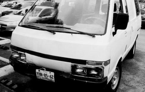 Nissan Ichi van 1993 Blanco