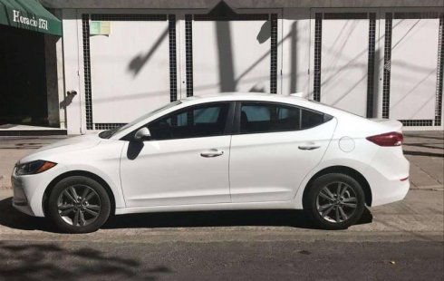 SHOCK!! Un excelente Hyundai Elantra 2018, contacta para ser su dueño