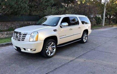 Pongo a la venta cuanto antes posible un Cadillac Escalade en excelente condicción
