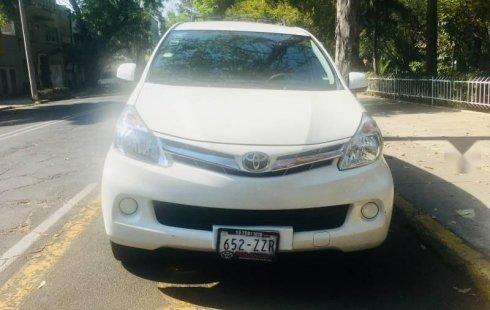 Coche impecable Toyota Avanza con precio asequible