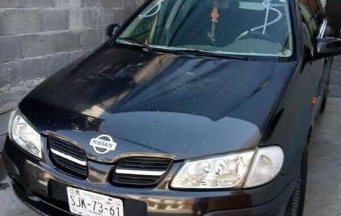 Un carro Nissan Almera 2002 en Nuevo León