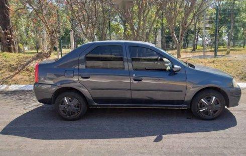 Un carro Nissan Aprio 2008 en Zapopan