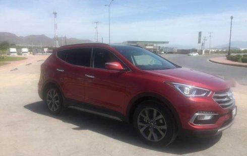 Carro Hyundai Santa Fe 2017 de único propietario en buen estado