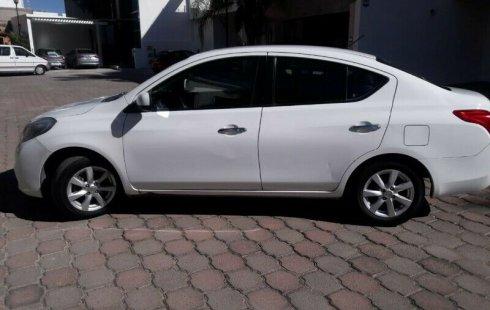 Se vende urgemente Nissan Versa 2012 Manual en Aguascalientes