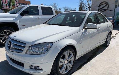 Mercedes-Benz Clase C impecable en Querétaro más barato imposible