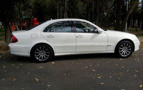 Tengo que vender mi querido Mercedes-Benz Clase E 2008 en muy buena condición