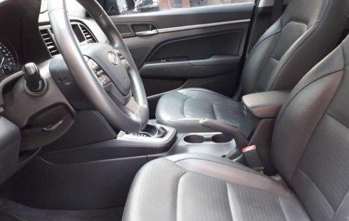 Se vende urgemente Hyundai Elantra 2017 Automático en Coyoacán