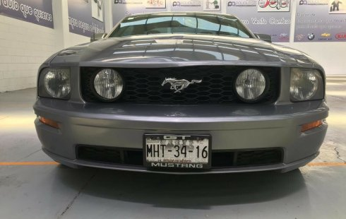 Ford Mustang 2006 impecable